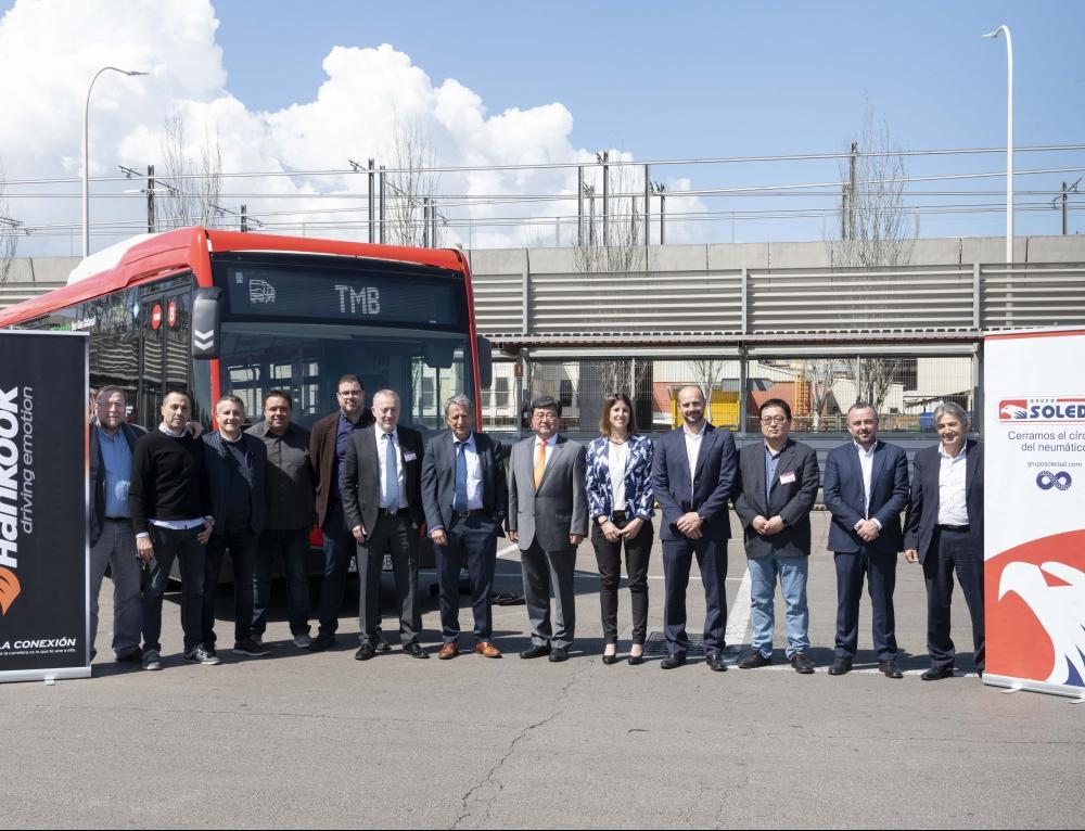 Grupo Soledad y Transports Metropolitans de Barcelona oficializan el suministro de neumáticos Hankook