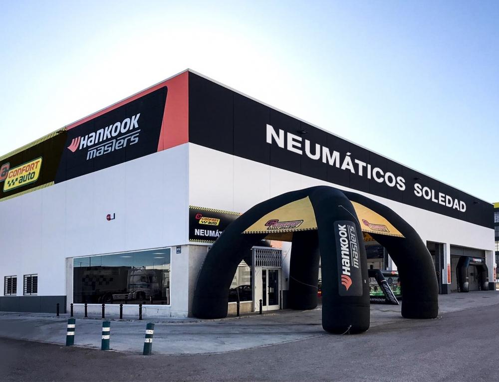 Neumáticos Soledad inaugura su nuevo centro en Ribarroja con la nueva movilidad como bandera